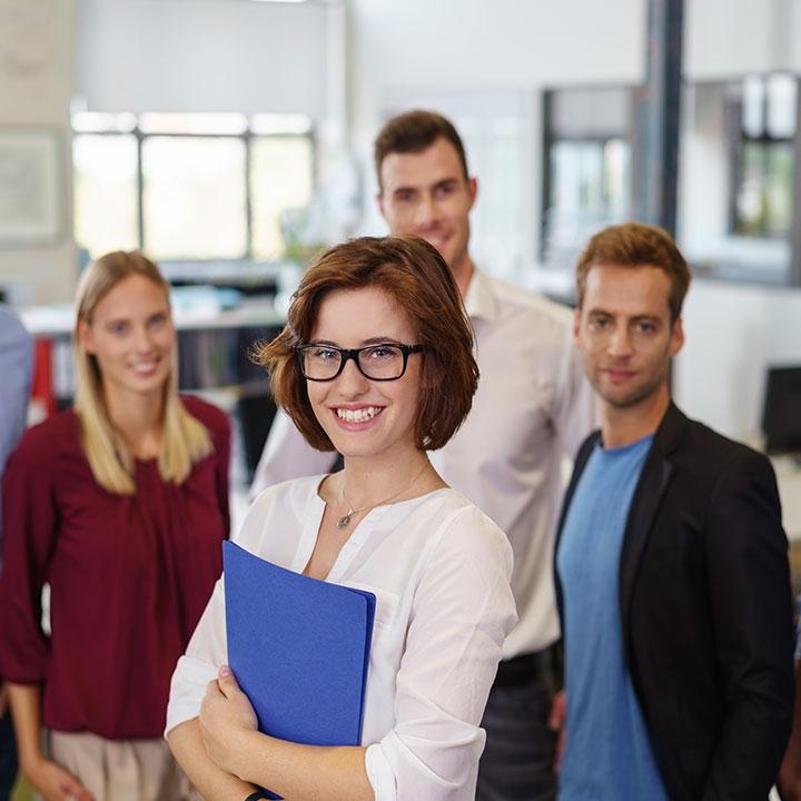 企業が未経験者を採用する意図